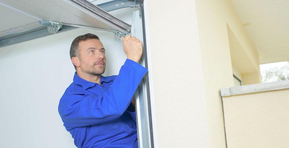 Home garage door repair Malibu